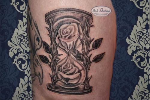 Blackandgrey tattoo stuttgart ink station 0711 inked fineline sanduhr rosen