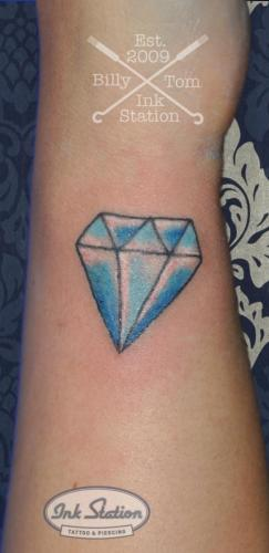 Diamanat dimond tattoo taetowierung 0711 stuttgart fineline inkstation Inkstationtattoo  Small