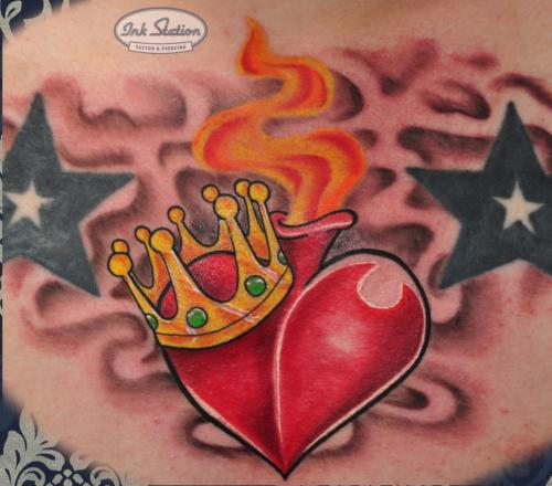 flammendes herz flaming heart krone Old New School Tattoo Stuttgart Ink Station 0711 Colored (51)