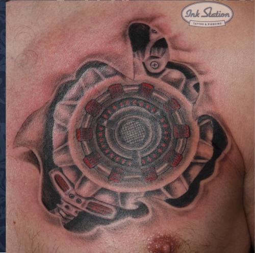 brust spule biomechanik biomech dynamo tattoo blackandred  inkstation taetowierung 0711 stuttgart