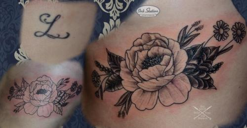 cover up rippen blumen pfingstrosen peony blackandgrey stuttgart tattoo inkstation 0711.