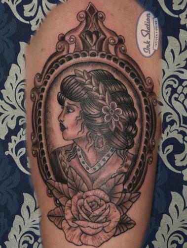 female mirror Blackandgrey tattoo stuttgart ink station 0711 inked fineline (146)
