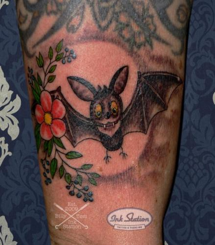 fledermaus comic batman Tattoo stuttgart taetowierung 0711 fineline inkstation inked blackandgrey