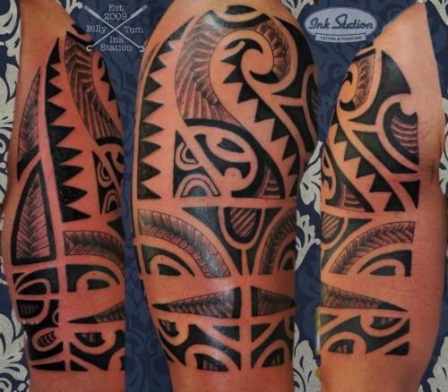 moko polinesisch tattoo maori the rock lines blackwork sleeve tattoo stuttgart ink station stuttgart taetowierung 0711 inked.jpg (2)