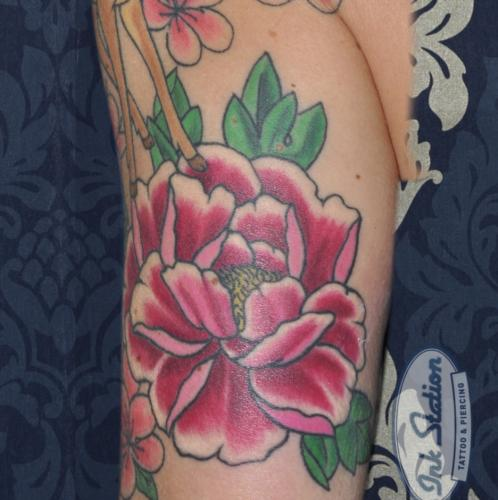 pfingstrosen peony sleeve realistic colored Tattoo stuttgart taetowierung 0711 fineline inkstation inked  flower blumen  inkstationtattoo