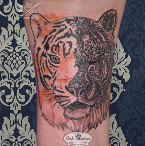 tiger watercolor mandala Tattoo stuttgart taetowierung 0711 fineline inkstation inked