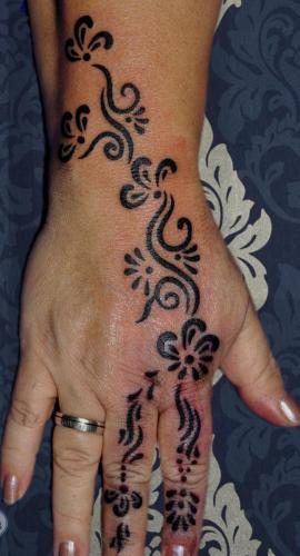 tribal hand tattoo stuttgart ink station stuttgart taetowierung 0711 inked blackwork
