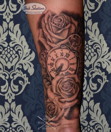 uhr rosen pocket watch blackandgrey tattoo inked stuttgart taetowierung 0711 fineline inkstation
